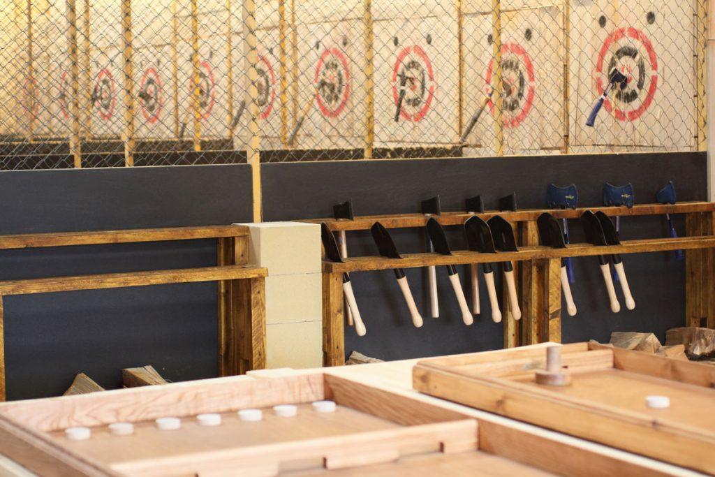Espace Accueil Pelles Cibles Pistes lancer haches Jeux Lumberjack – Lancer de haches et shuriken Metz
