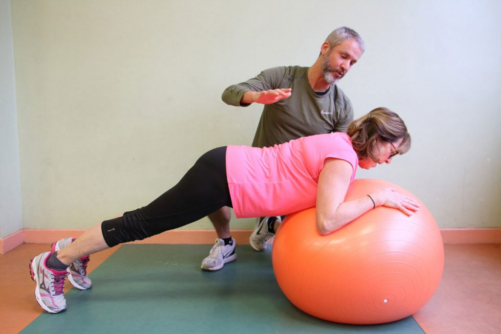 Gainage Swiss Ball Olivier Sergeff Coach Sportif cours de Pilates Thionville