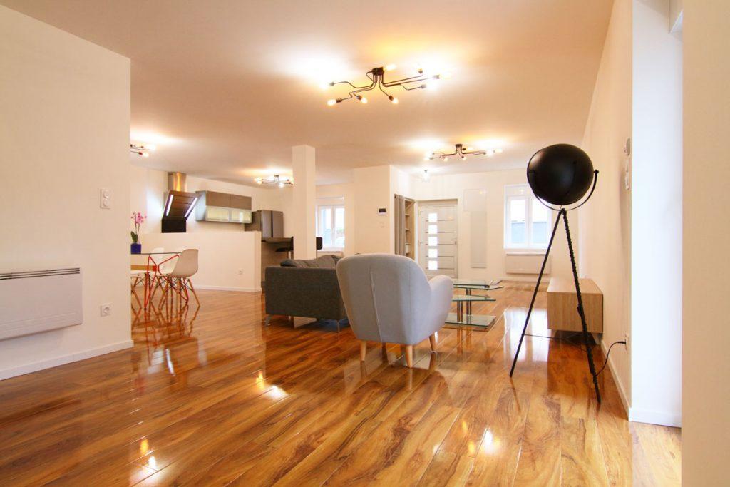Photographie immobilière pièce à vivre spacieuse maison Thionville